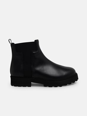 TOD'S - BLACK ANKLE BOOTS