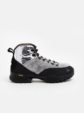 ROA HIKING - BLACK AND SILVER ANDREAS ANKLE BOOTS
